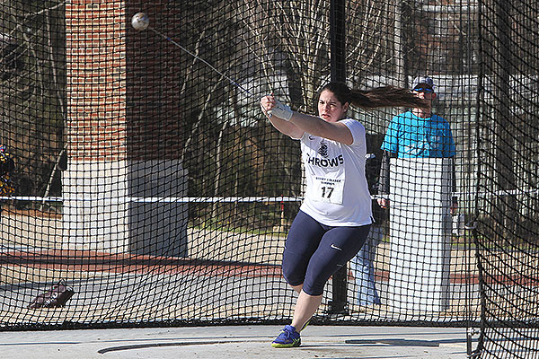 10 - Woman doing hammer throw