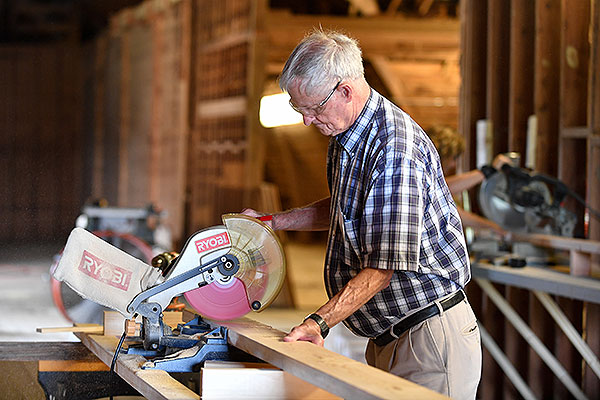 07 - Man using a table saw