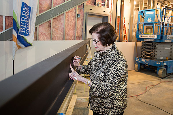 Gallery - Audrey Morgan signing theatre beam